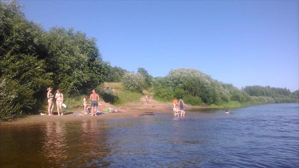 Пляж у д. Бор