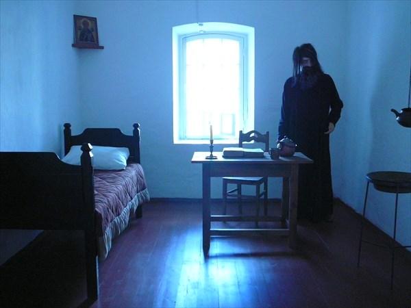 Монастырская тюремная камера