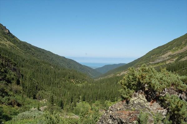 На горизонте Байкал