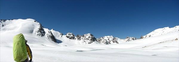 ледник Алтынсарина