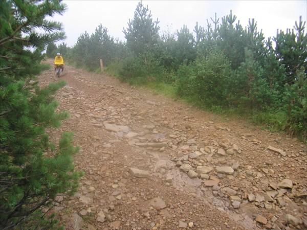 Спуски между холмами