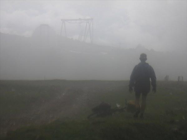 В дожде видна Обсерватория