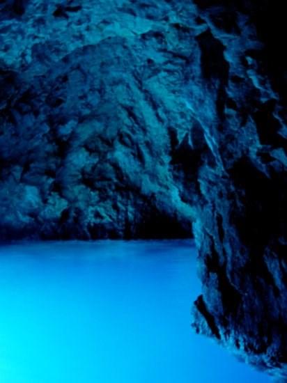 Bisevo-blue-cave-2