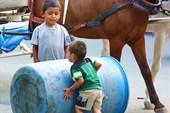 Дети в гранаде, никарагуа