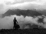Маршрут проложен по дорогам и тропам у подножья горы Гонгга,...