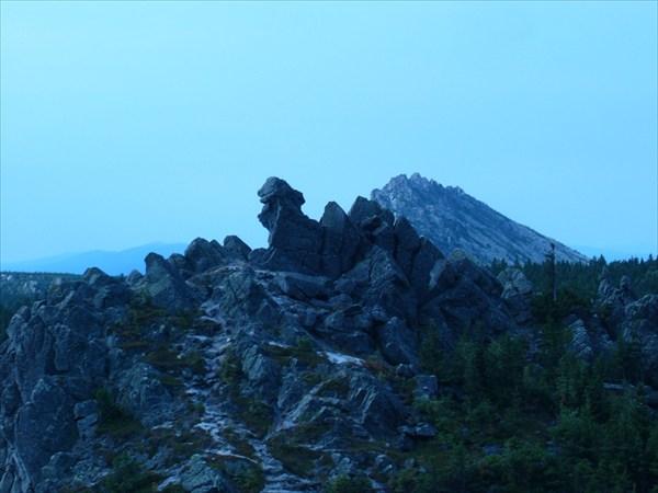 Долина сказок на фоне Откликного гребня