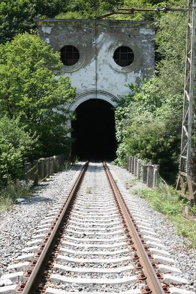 Ест поезда