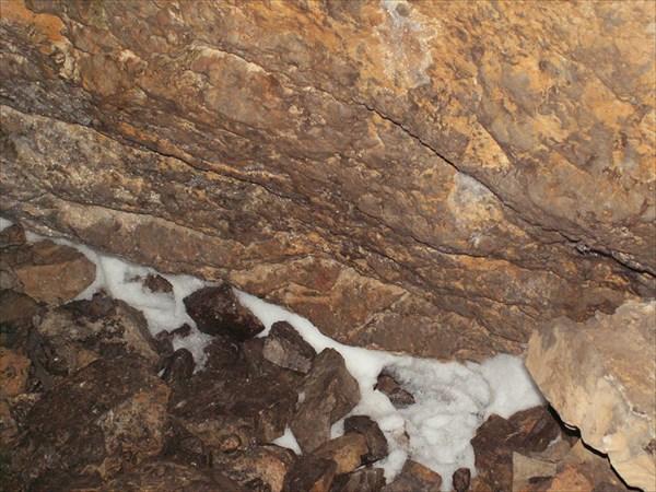 Пещера Кургазакская Снег