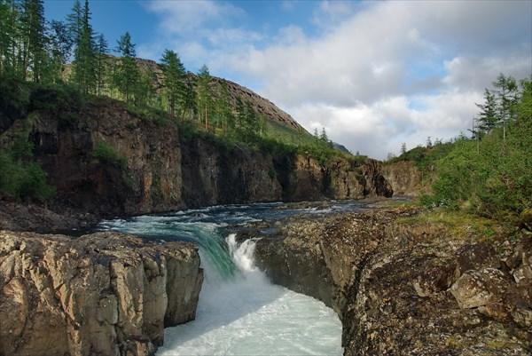 Второй водопад на Иркингде