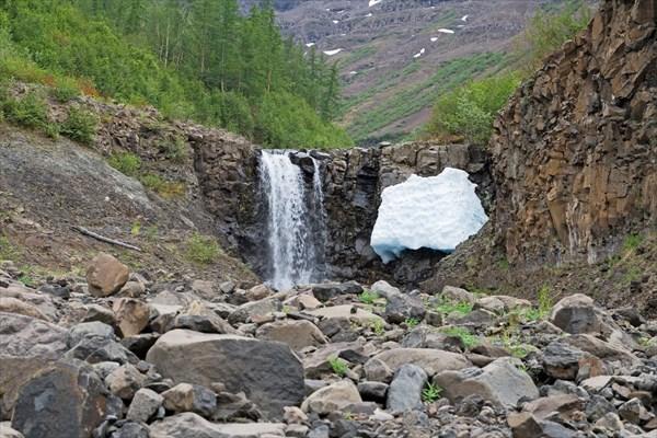 Наш первый водопад