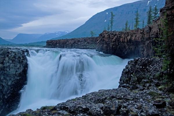 Вечер на водопаде