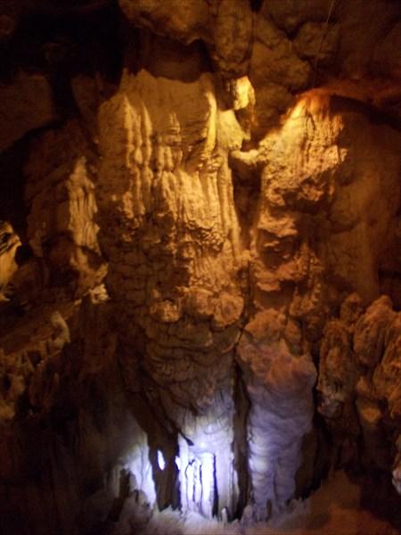 Сталагмит в Воронцовской пещере