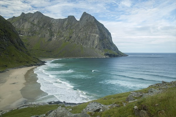 Вид на пляж с начала подъема на Ryten