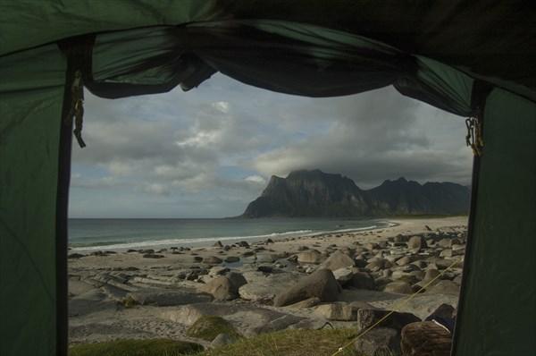 Каждую ночь из палатки вид на океан