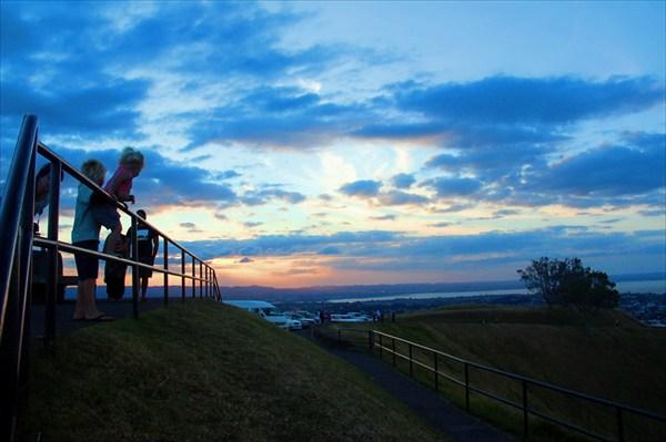 Вулкан Иден - место прогулок и пробежек жителей Окленда