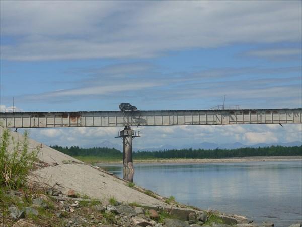 Автомобильный мост через Витим