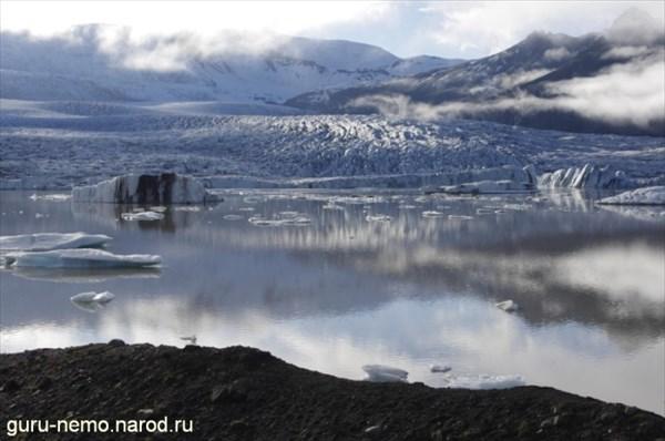 Ледник Fjallsjokull и ледниковая лагуна Fjallsarlon