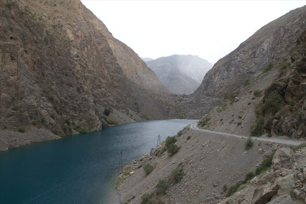 Дорога над озером