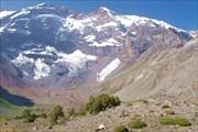 Таджикистан. Фанские горы. Снежные вершины, бурные реки, озе...