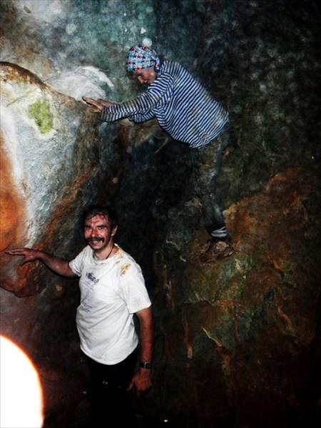 Как обычно, водный поход начинается с пещеры.