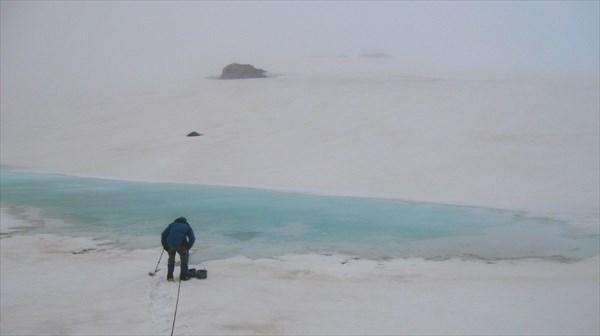 Набор воды из озера Джикаугенкёз.