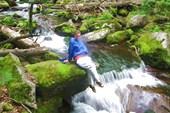 Ленка на фоне водопада