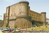 Неаполь. `Новая крепость`. Вид со стороны порта