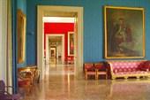 В одном из залов дворца Каподимонте
