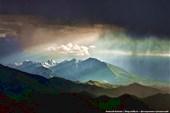 Горы в тисках туч