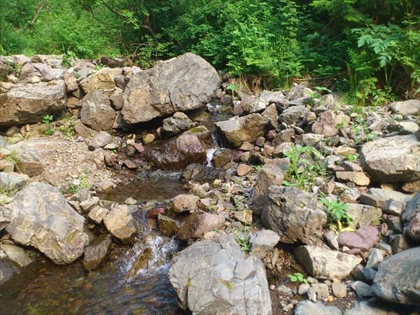 3 километра по камням вдоль ручья Макарачек 2-й