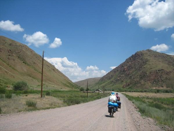 Дорога за п.Суусамыр