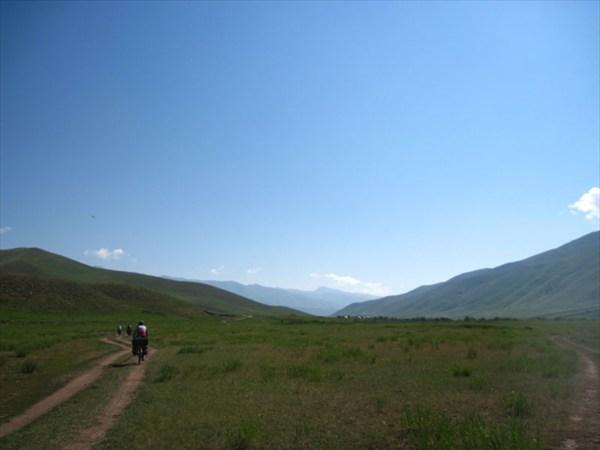 Дорога вдоль р.З.Каракол
