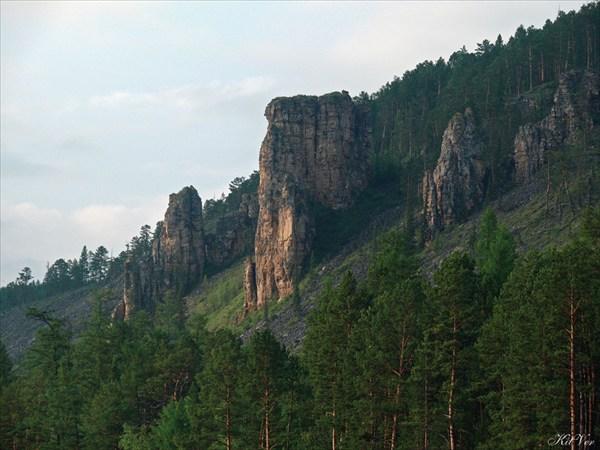 Скалы на Олёкме в нижнем течении