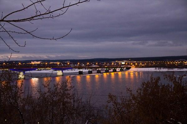 Вечер на Пермском мосту через Каму
