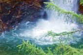 Озеро, образованное водопадом