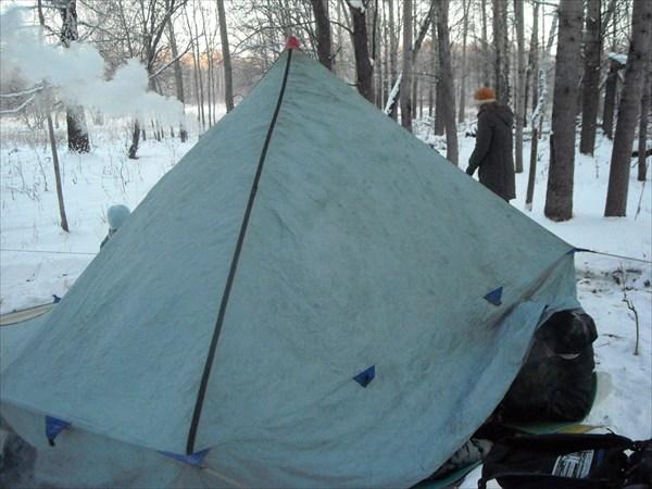 палатка, правда печка была составлена из двух разных печек)