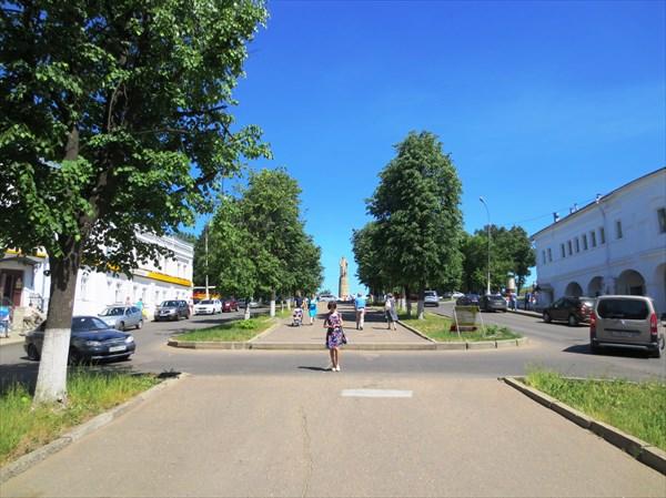 Молочная гора и памятник Сусанину, Кострома