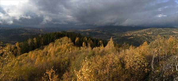 Панорама с вершинки над Тузуксу