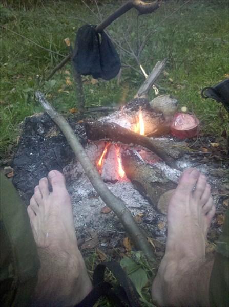 Ноги мерзнут на сырой земле