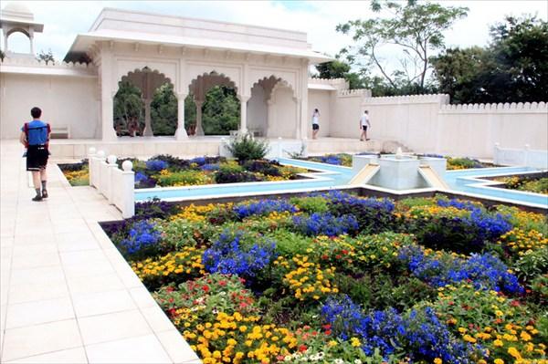 Индийский сад в комплексе Садов Гамильтона