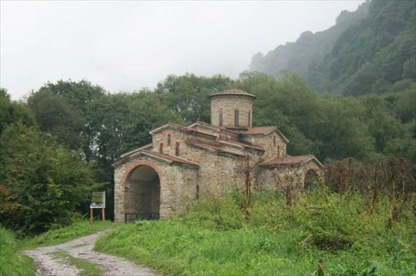 Дальний храм