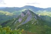 Вид с вершины 947м. на вершину 835м. Автор-Надежда-географ