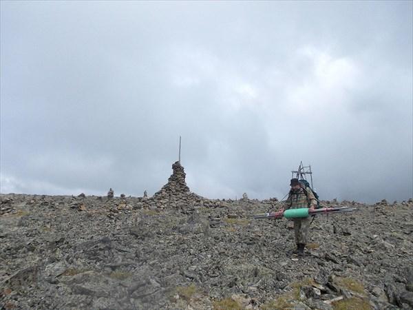 Мало затащить антенны на гору, надо еще отнести их обратно