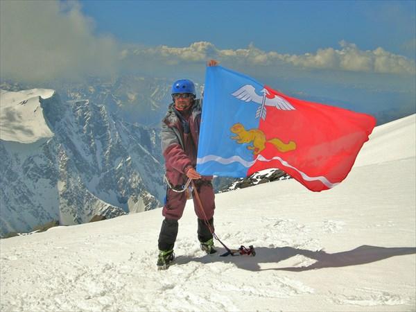 На вершине г.Белухи 4506 м.