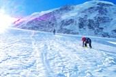 Бредем по леднику