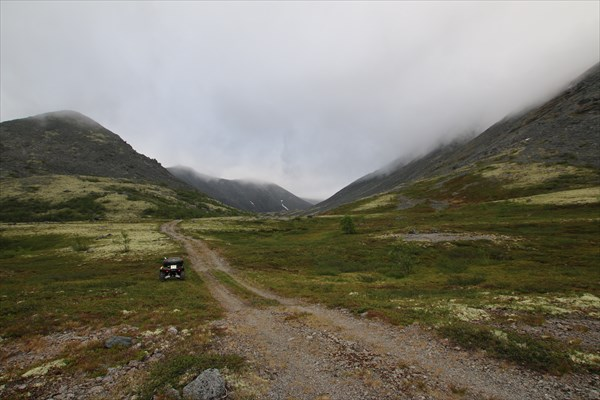 Дорога к южному склону пика Марченко