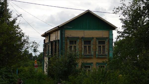 Один из местных домов