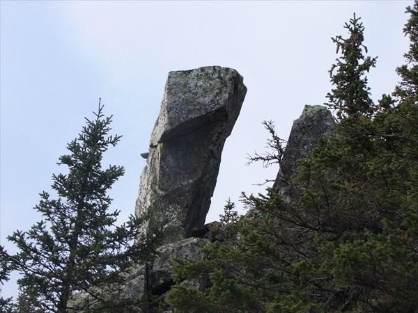 Одинокий камень