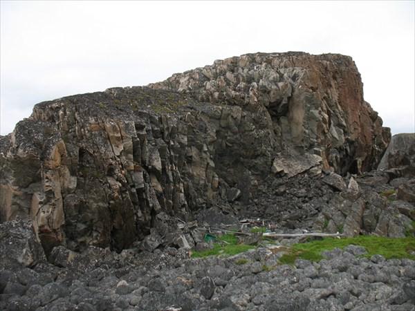 Прибрежная скала