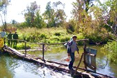 через реку Тускарь